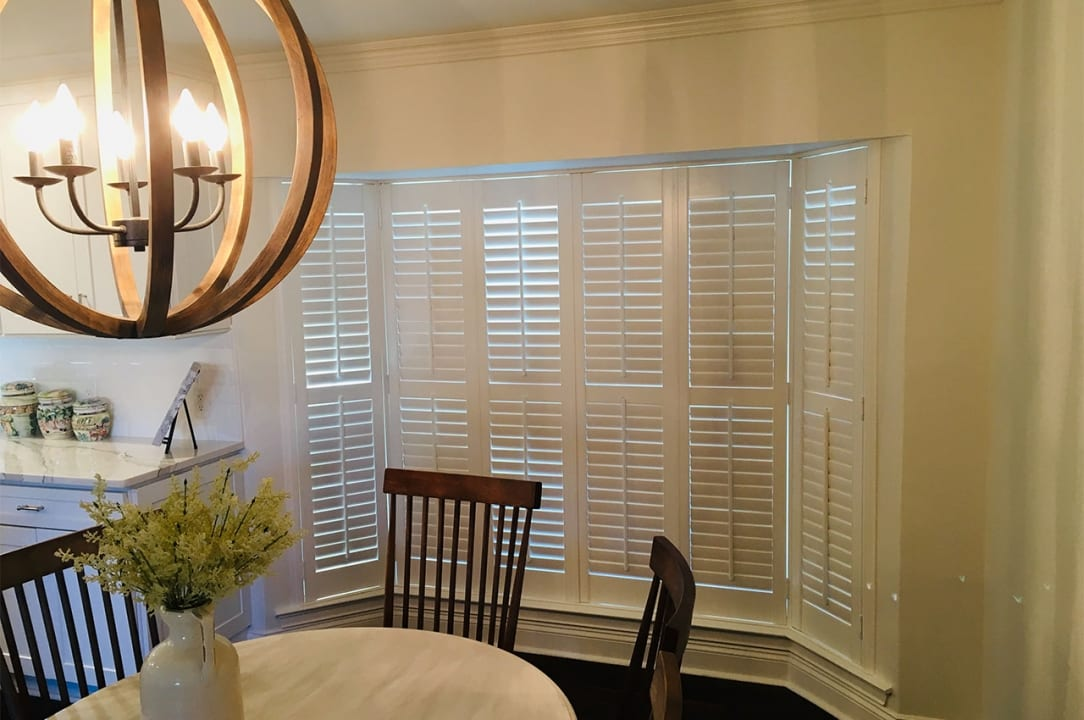 Bay-window-shutters installation