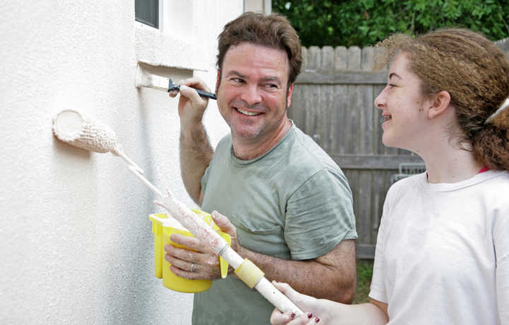 Tips For Painting Your House in the Winter - Father & Daughter Painting| Helm Paint & Decorating
